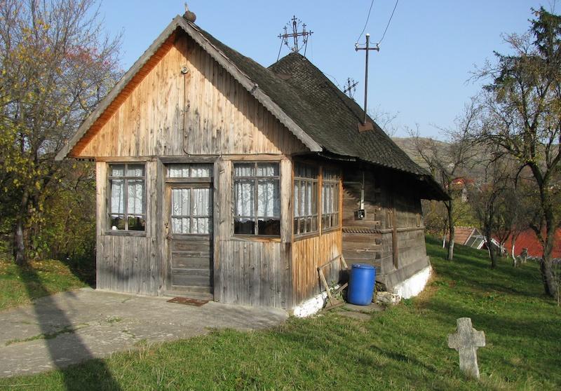 Biserica_de_lemn_Cuvioasa_Paraschiva_Garbeasca_din_satul_Starchiojd_comuna_Starchiojd_judetul_Prahova_Romania_1